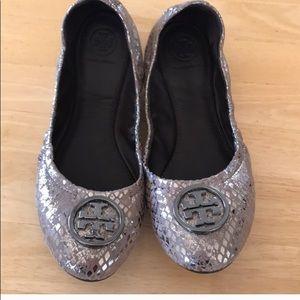 Super comfy silver Tory ballerina flats